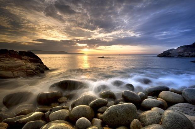the-beach-3266660_640